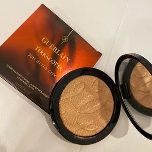 GUERLAIN Face & Decollete Powder